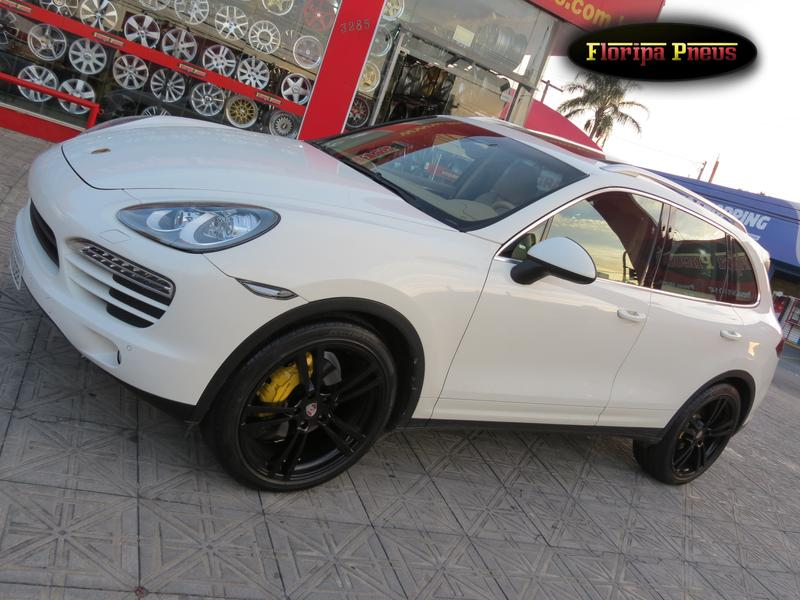 fotos de porsche cayenne new floripa pneus pneus rodas e acess rios. Black Bedroom Furniture Sets. Home Design Ideas